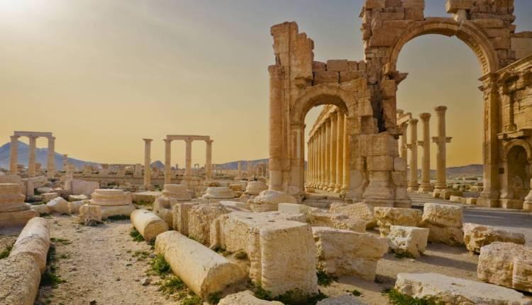 Vue sur Palmyre, en Syrie, avant la destruction du site par Daesh